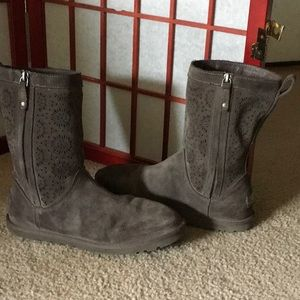 UGG's embossed suede short gray boot